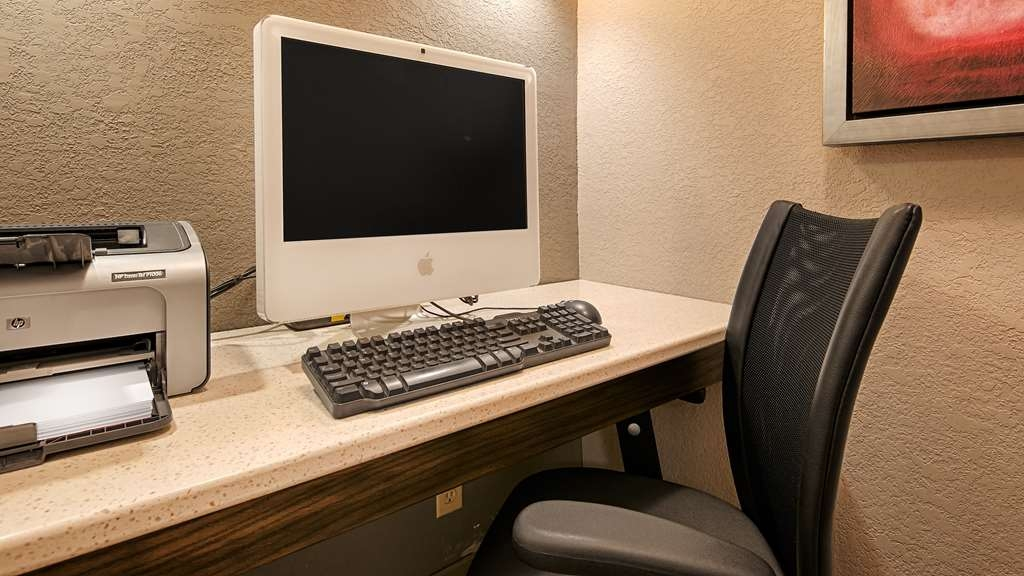 Best Western Riverside Inn - Keep connected with your loved ones in our Business Center