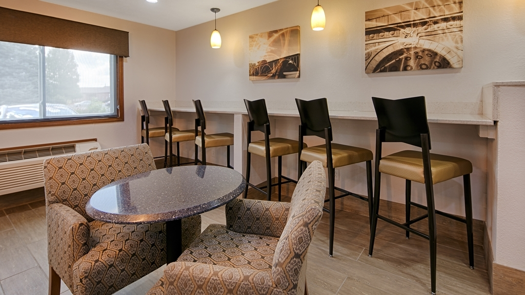 Best Western Regency Inn - Breakfast Area