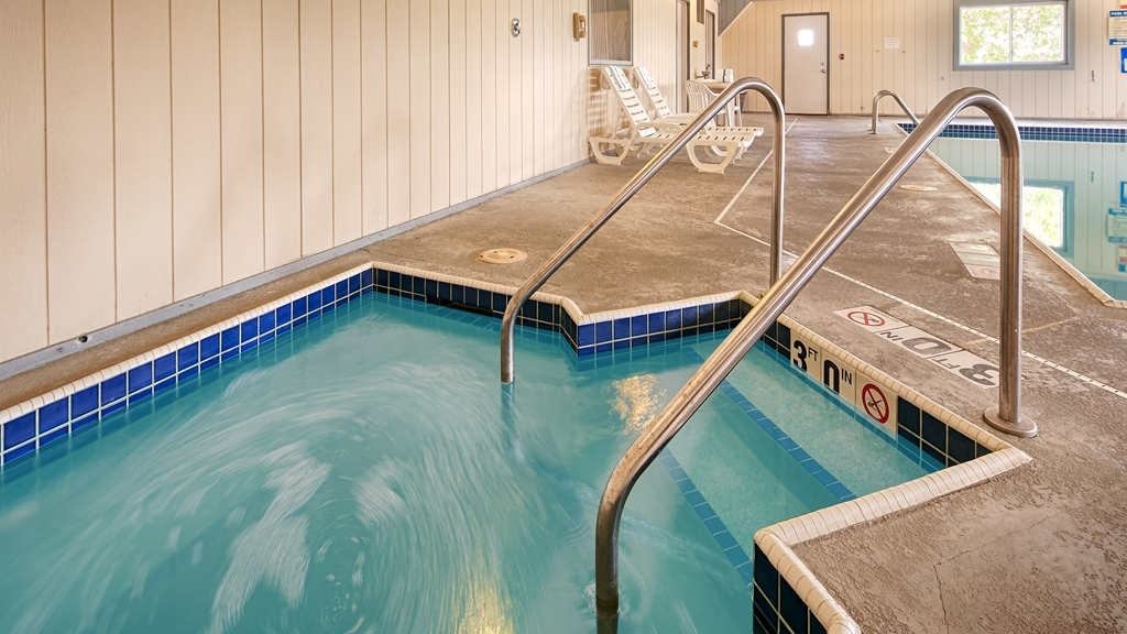 Best Western Regency Inn - Indoor Hot tub