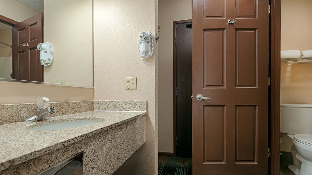 Best Western Regency Inn - Baño