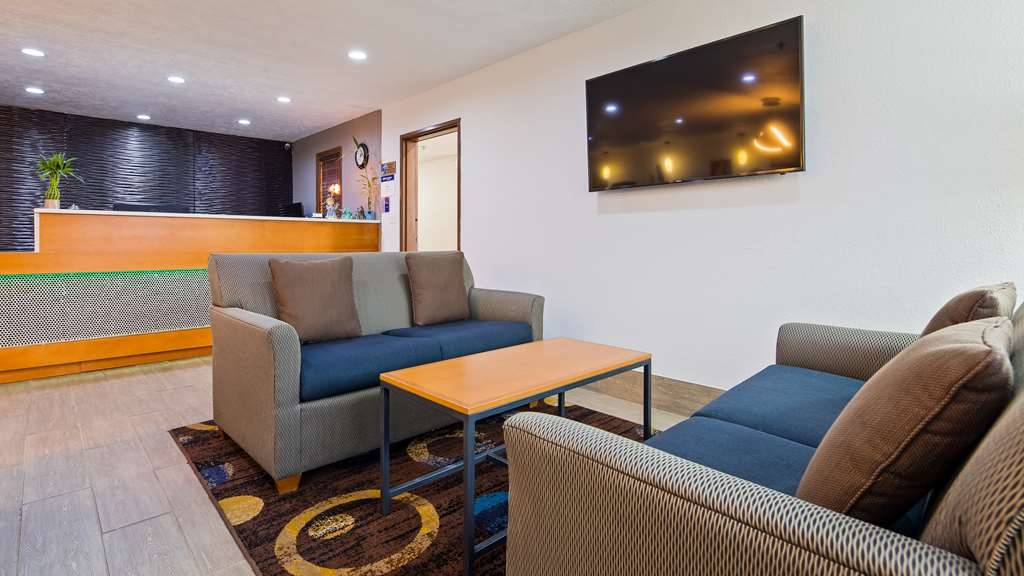 Best Western Regency Inn - Our lobby is the perfect spot to relax after a long day of work and travel.