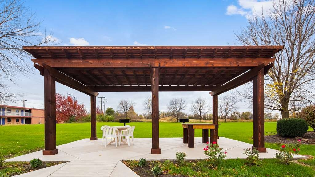 Best Western Regency Inn - Our outdoor gazebo area featuring grills and seating area is the perfect spot to relax.