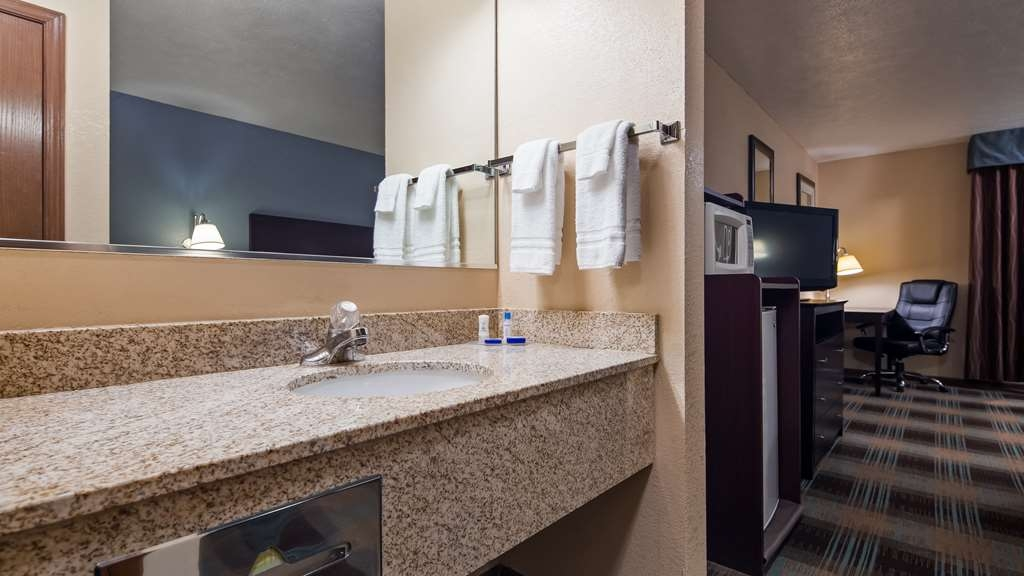 Best Western Regency Inn - All guest rooms have a large vanity with plenty of room to unpack the necessities.