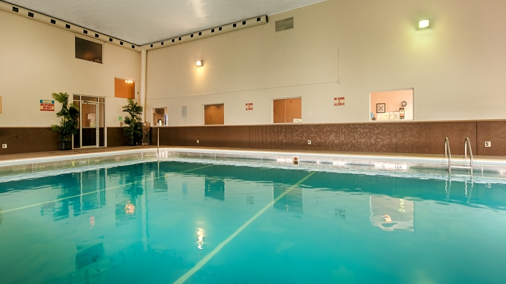 Best Western Monticello Gateway Inn - Vue de la piscine