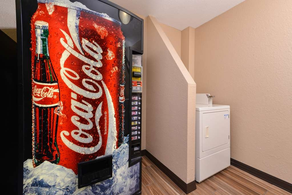 Best Western U. S. Inn - After a long day in the sun grab a drink from our vending machine.
