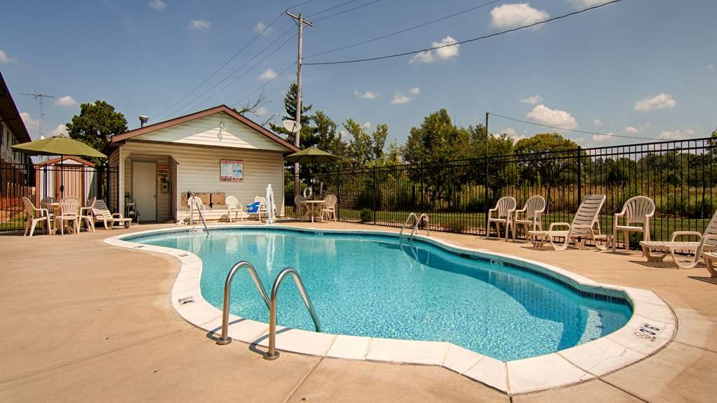 Best Western U. S. Inn - Piscina