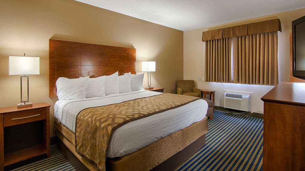 Best Western U. S. Inn - We designed our queen ADA mobility accessible rooms for easy wheelchair access.