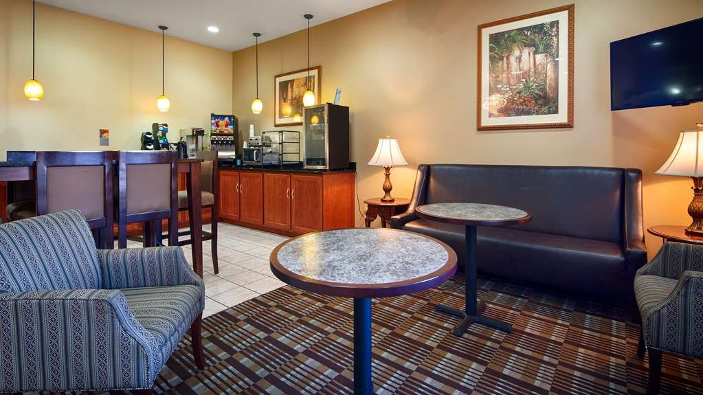 Best Western Clearlake Plaza - Join us every morning for a variety of your favorite morning treats.