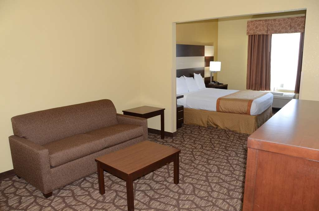 Best Western Joliet Inn & Suites - Suite