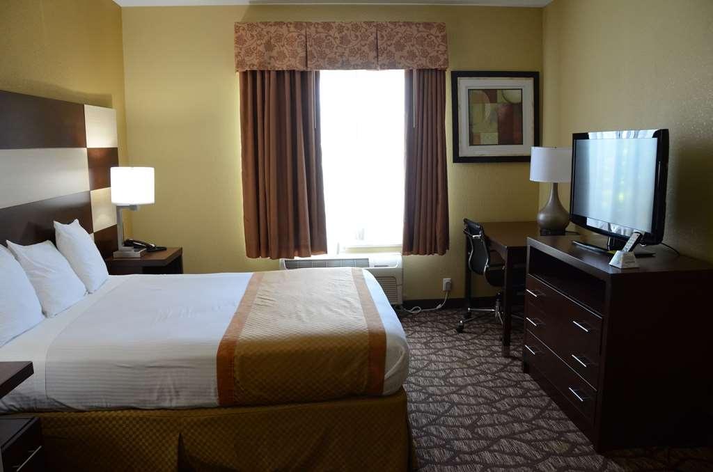 Best Western Joliet Inn & Suites - Open Suite with Queen Bed