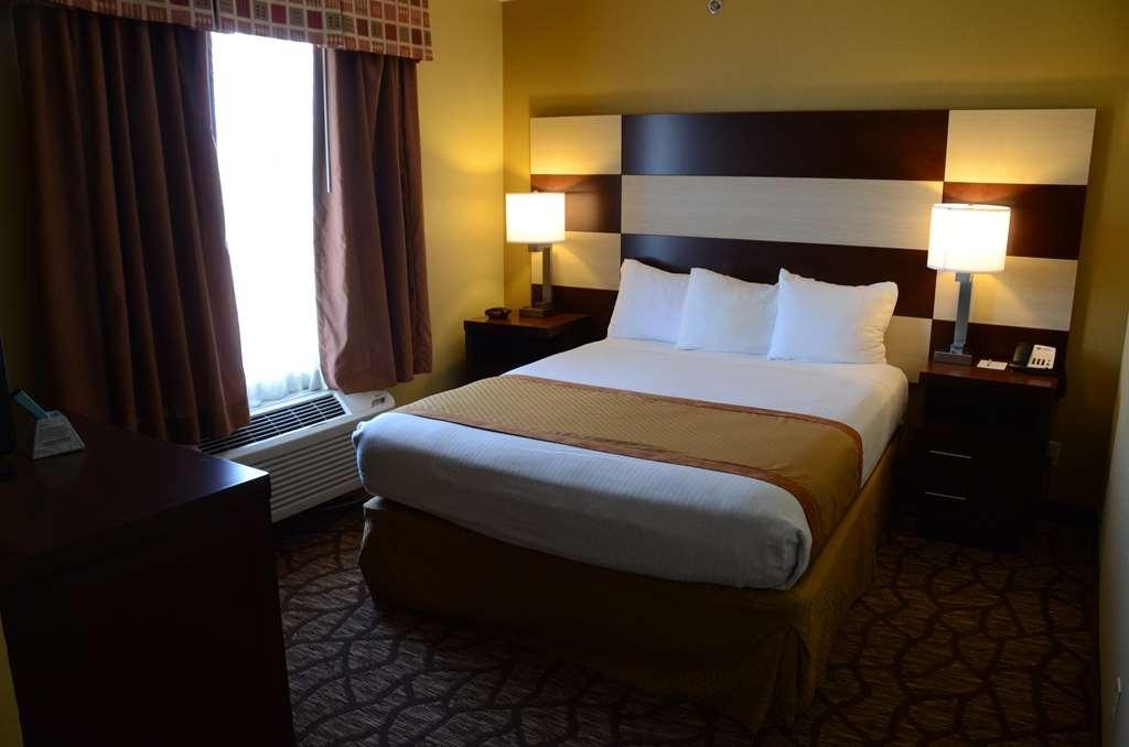 Best Western Joliet Inn & Suites - Suite Bedroom