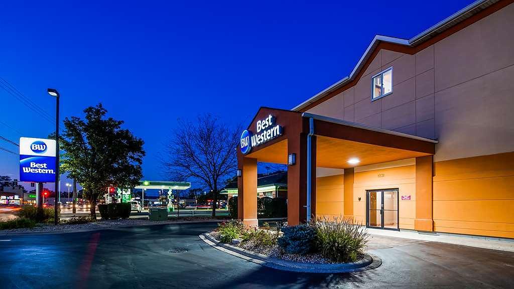 Best Western Des Plaines Inn - Area esterna
