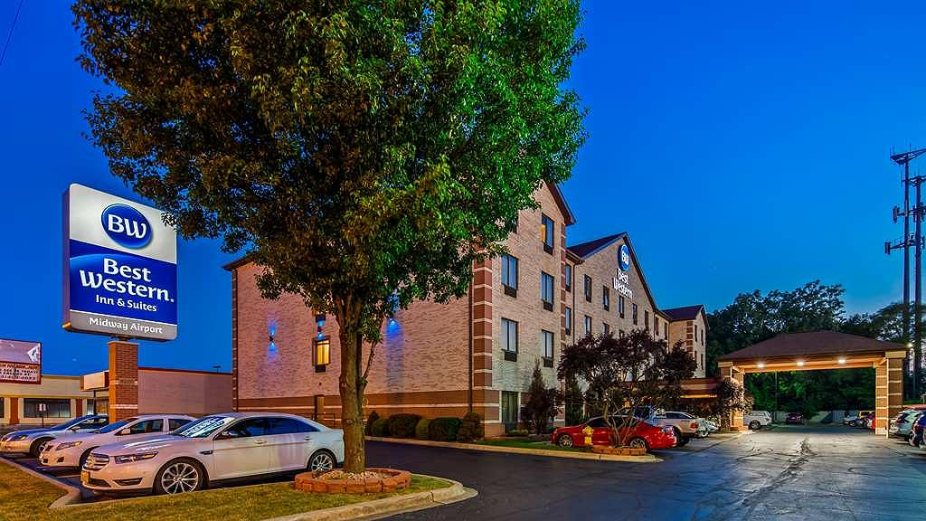 Best Western Inn & Suites - Midway Airport - Make the Best Western Inn & Suites - Midway Airport your next home away from home!