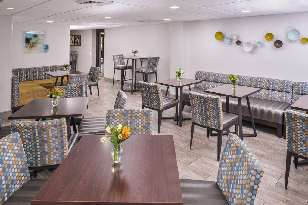 Best Western Naperville Inn - Have the most important meal of the day with us! Our breakfast area has plenty of seating options for everyone.