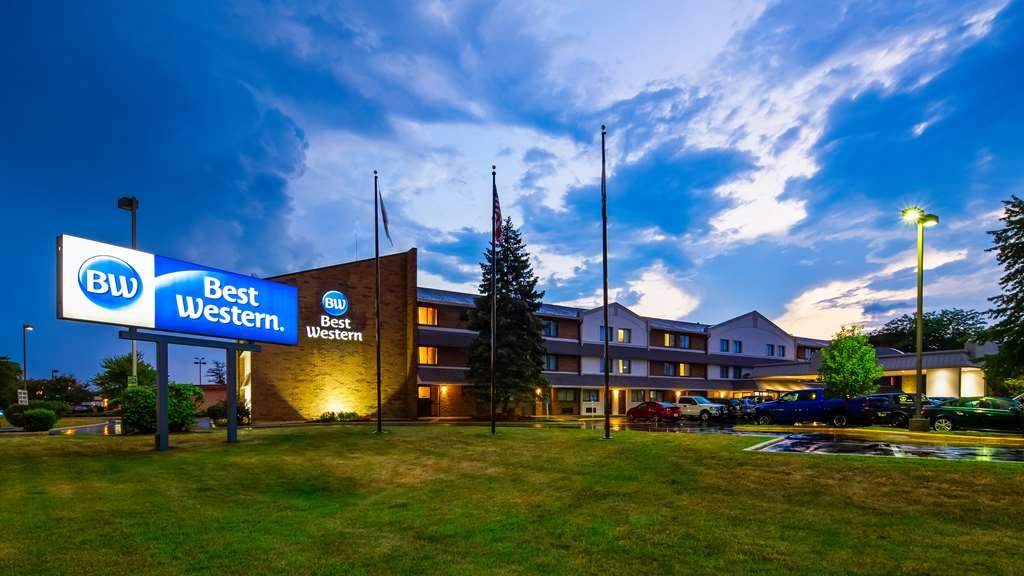 Best Western Naperville Inn - Facciata dell'albergo