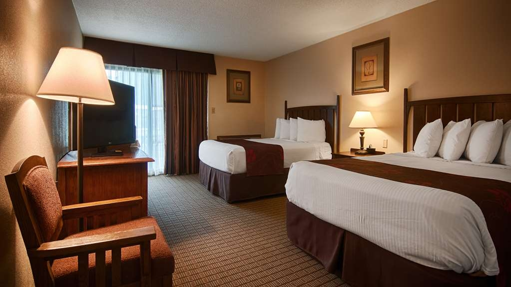 Best Western Prairie Inn & Conference Center - Bring your family of four and make a reservation on our double queen bedroom.