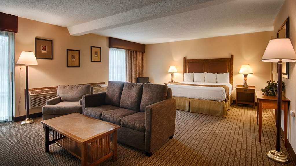 Best Western Prairie Inn & Conference Center - If you're looking for a little extra space to stretch out and relax book one of our suite king room.