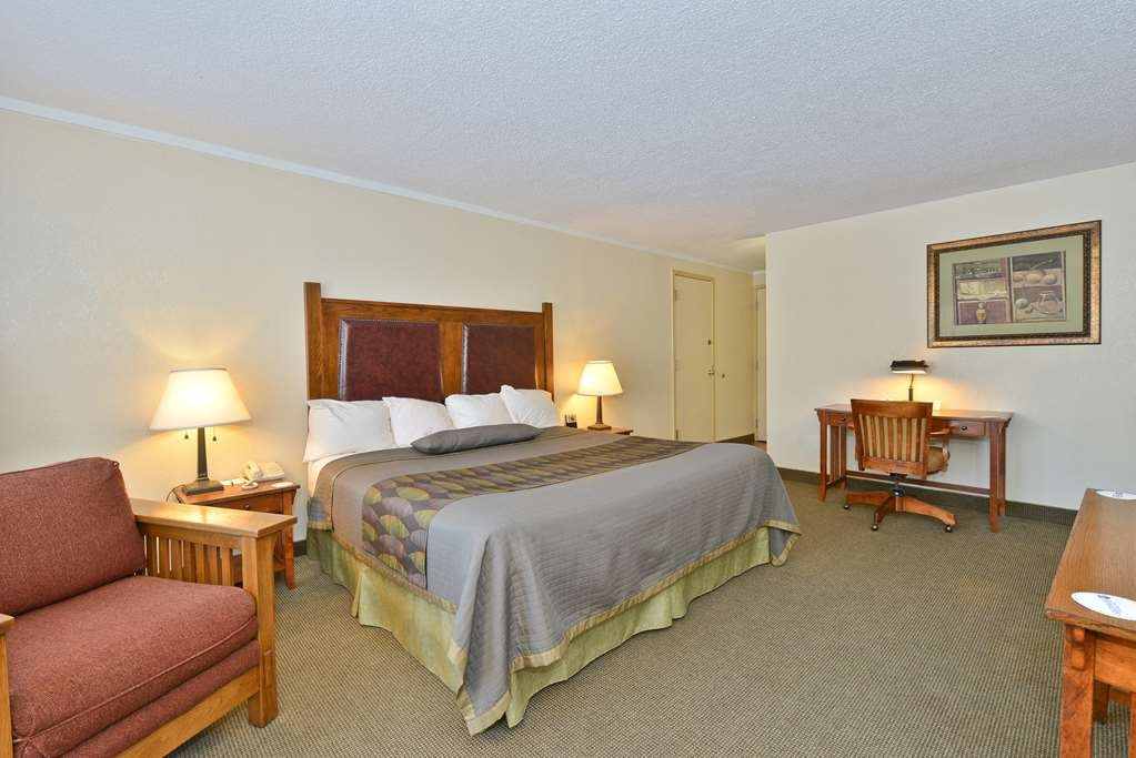 Best Western Prairie Inn & Conference Center - Spa Suite