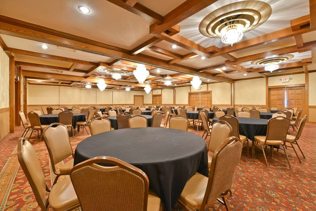 Best Western Prairie Inn & Conference Center - Our Grand Ballroom is perfect for receptions reunions and parties up to 200!