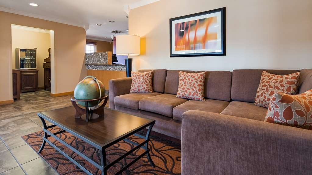 Best Western Lorson Inn - First impressions are the most important, and our chic lobby is no exception to that rule.