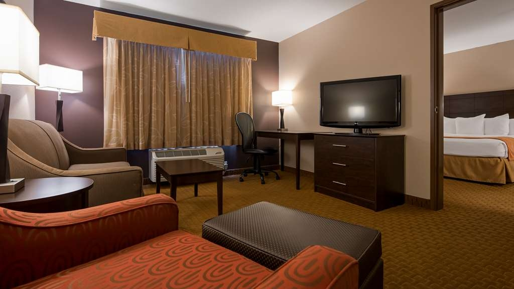 Best Western Lorson Inn - This King Suite features a private bedroom, separate living area with sofa sleeper, and kitchenette.
