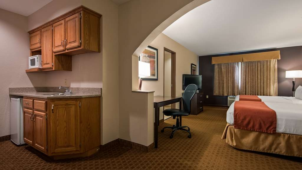 Best Western Lorson Inn - Your comfort is our first priority. In our two queen suite, you will find that and much more.