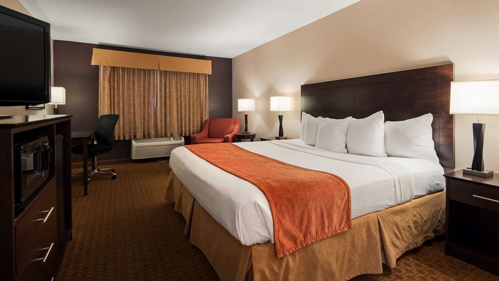 Best Western Lorson Inn - Book our king guest room so you can stretch out and relax!