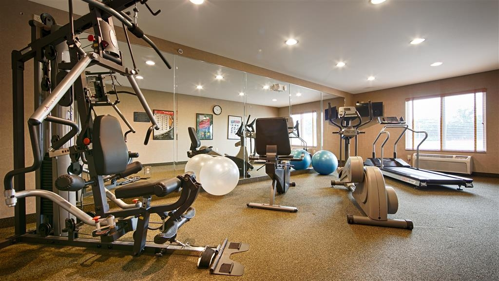Best Western Legacy Inn & Suites Beloit-South Beloit - In unserem Fitnessstudio können Sie Ihr Trainingsprogramm auch auf Reisen aufrechterhalten.