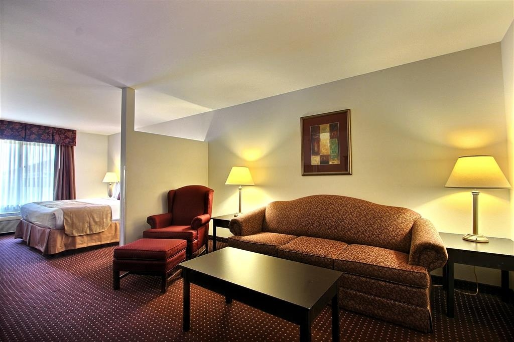Best Western Legacy Inn & Suites Beloit-South Beloit - Camera executive con letto king size