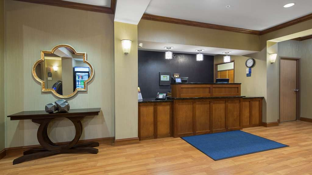 Best Western Legacy Inn & Suites Beloit-South Beloit - Vue du lobby