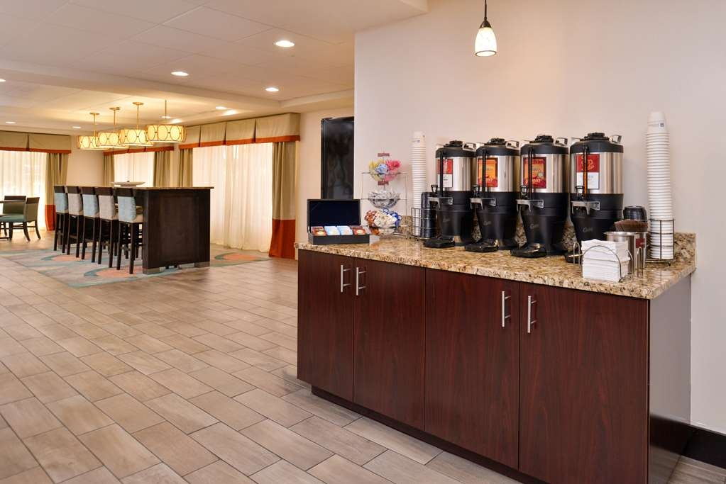 Best Western Plus Chicagoland - Countryside - Rise and shine with a complimentary breakfast and coffee every morning.