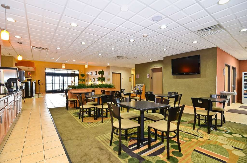 Best Western Chicago Southland - No better way to start your day than with a free breakfast.