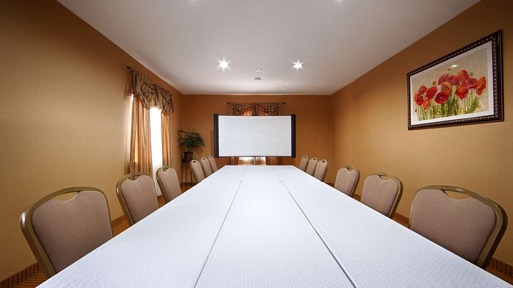 Best Western Lincoln Inn - Our meeting rooms are the ideal setting for corporate events. Call our staff to book today!