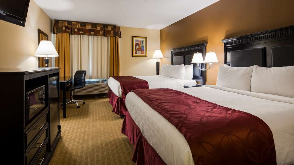 Best Western Saluki Inn - Sink into our comfortable beds each night and wake up feeling completely refreshed.