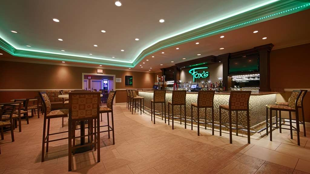 Best Western Plus Antioch Hotel & Suites - Bar/Lounge