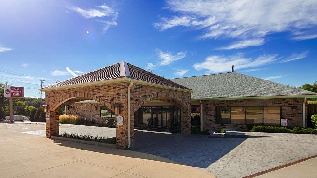Best Western Plus Antioch Hotel & Suites - Façade