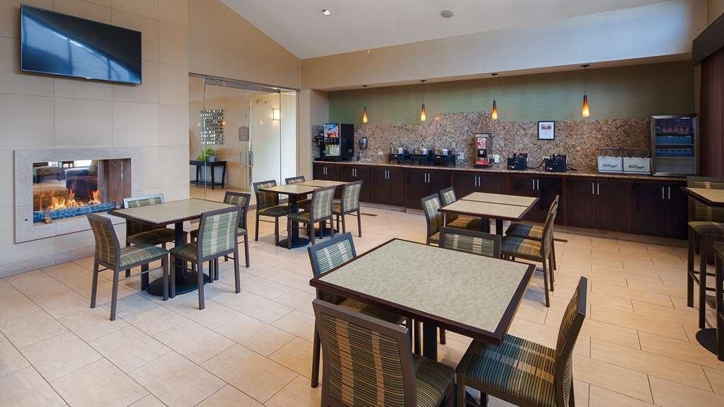Best Western Plus Antioch Hotel & Suites - Breakfast Area