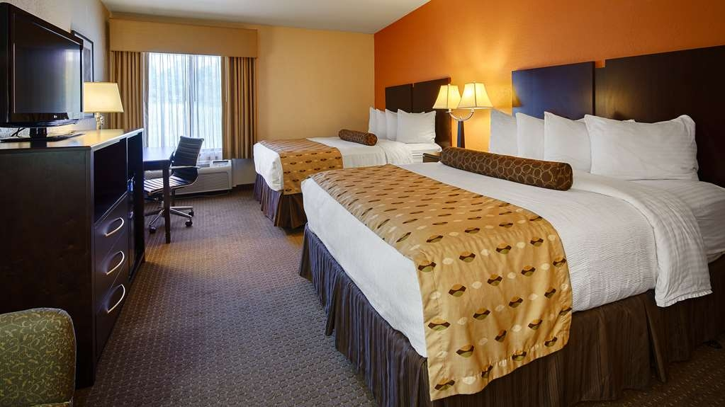 Best Western Plus Antioch Hotel & Suites - Two Queen Guest Room