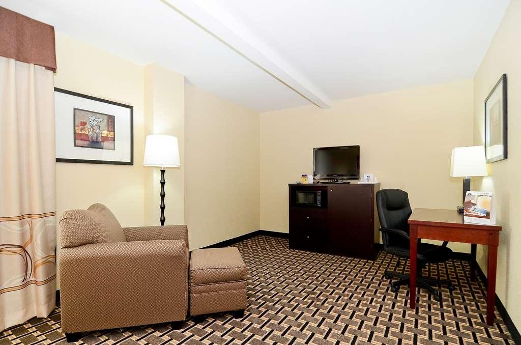 Best Western Woodstock Inn - Business King Guest Room