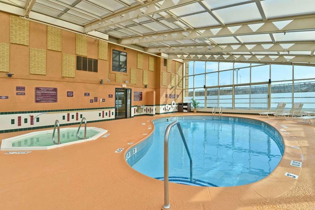 Best Western Marion Hotel - Vue de la piscine