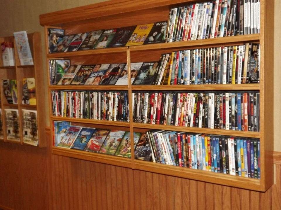 Best Western Marion Hotel - All rooms have DVD players. DVD rentals are available in the lobby.
