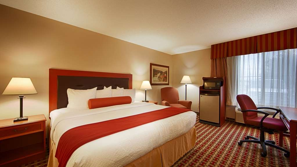 Best Western Marion Hotel - Our spacious king standard guest room has all the comforts of home at your fingertips.