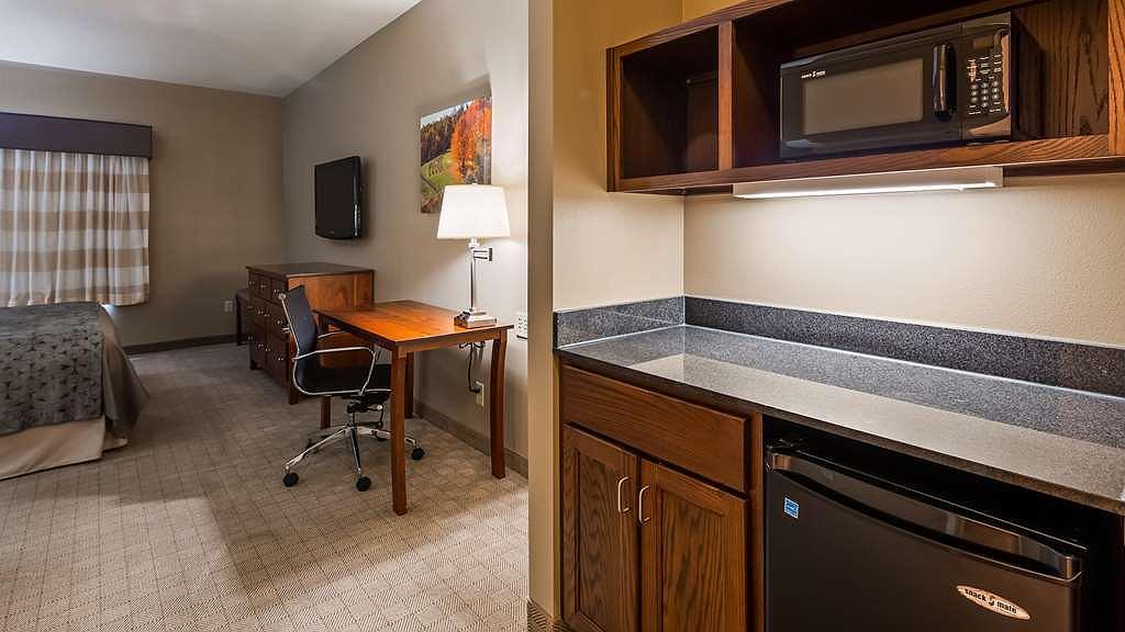 Hotel In Arcola Best Western Plus Green Mill Village Hotel Suites Convention Center