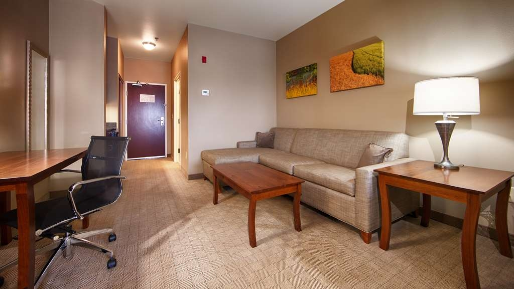 Best Western Plus Green Mill Village Hotel & Suites - Habitaciones/Alojamientos