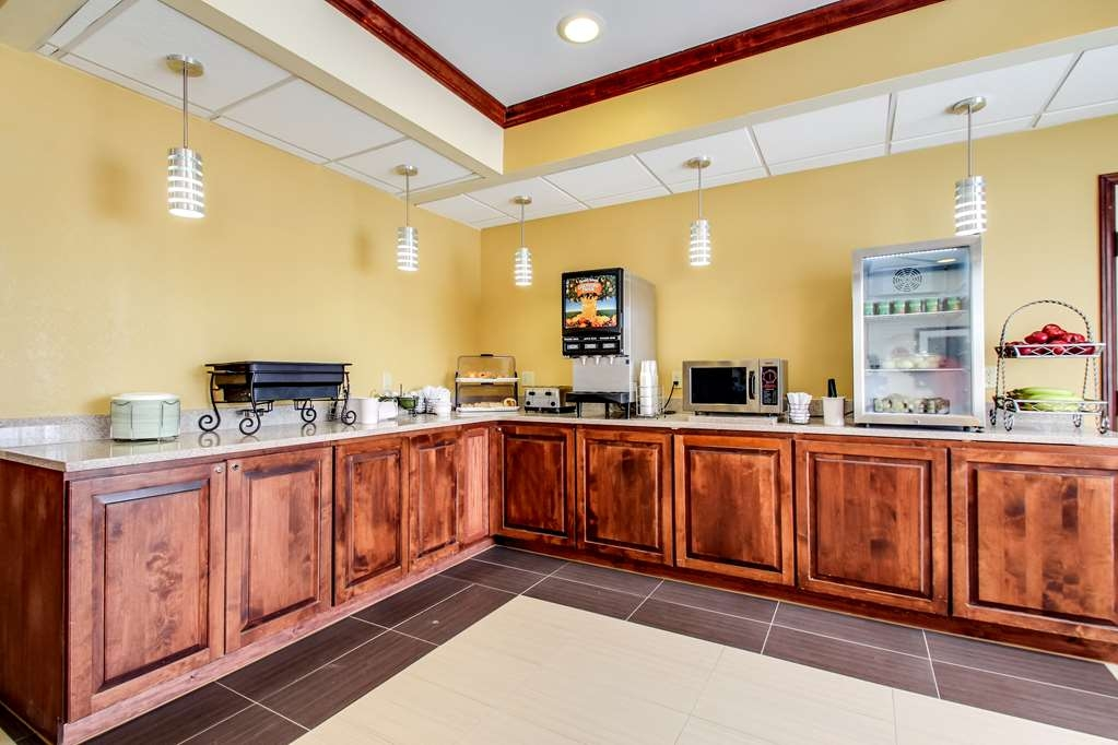 Best Western Geneseo Inn - Breakfast Room