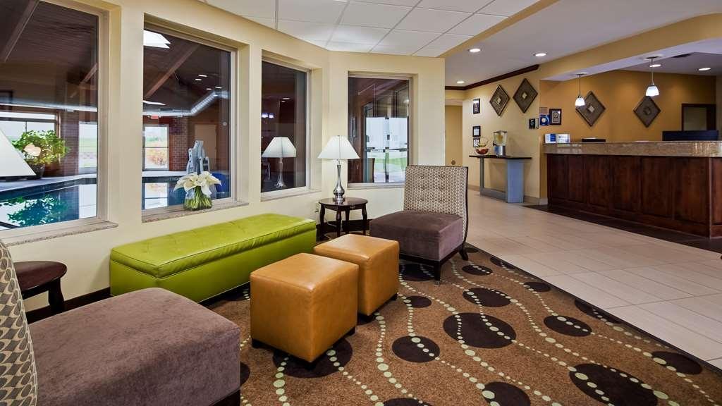 Best Western Geneseo Inn - Lobby