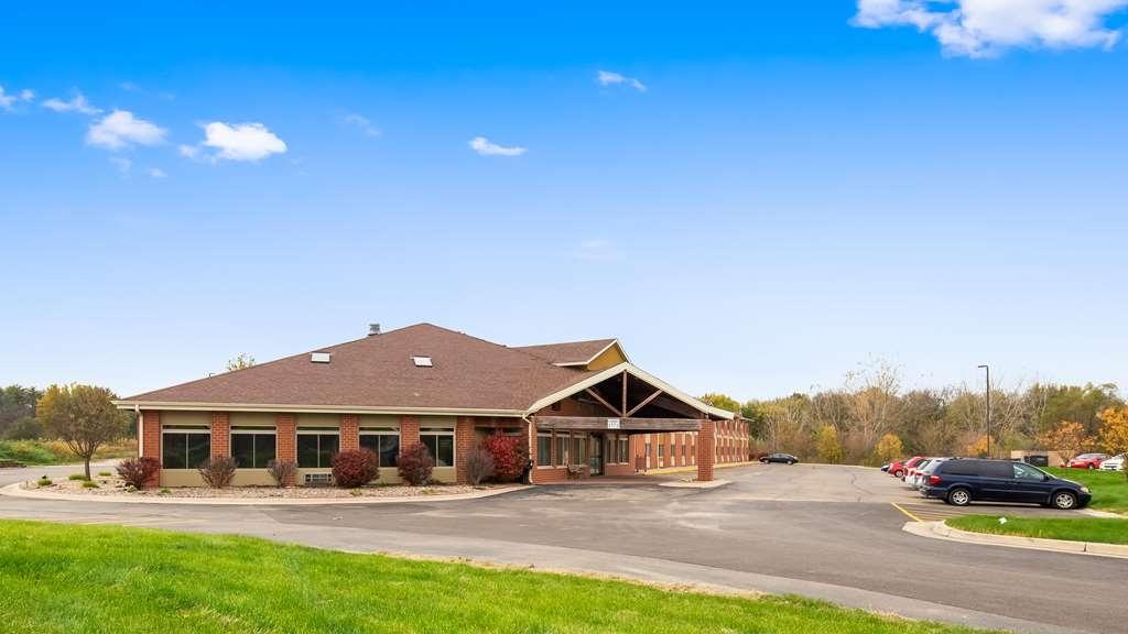 Best Western Geneseo Inn - Vista Exterior