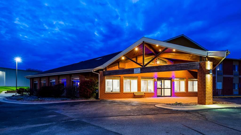Best Western Geneseo Inn - Facciata dell'albergo