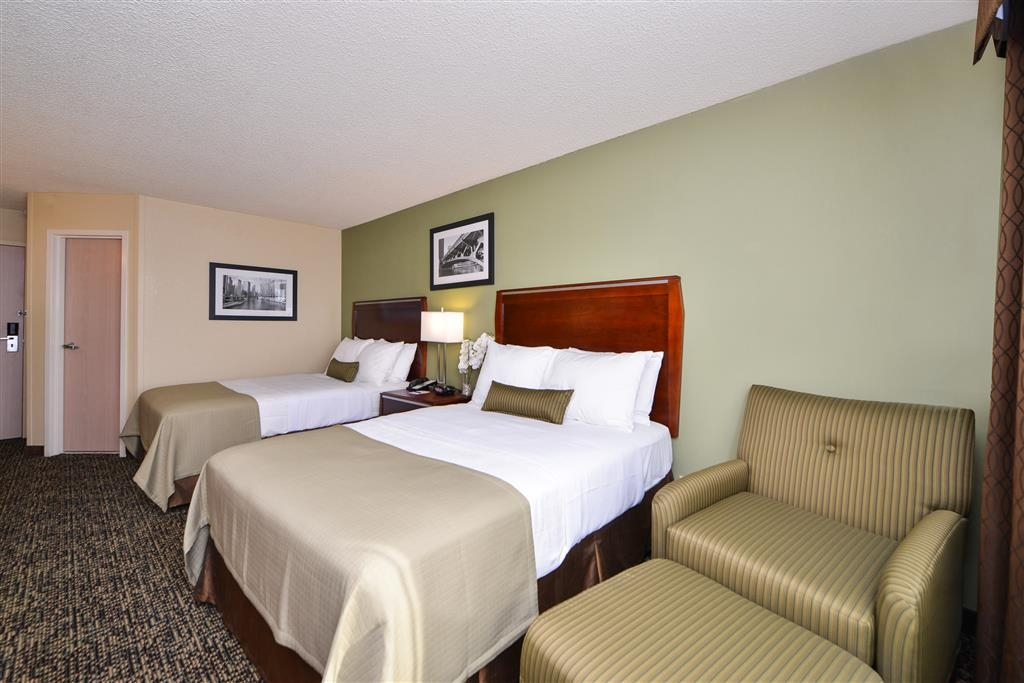Best Western Plus Glenview-Chicagoland Inn & Suites - 2 Double Beds