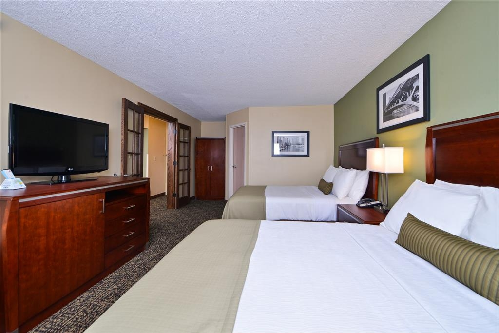 Best Western Plus Glenview-Chicagoland Inn & Suites - Suite-2 Double Beds